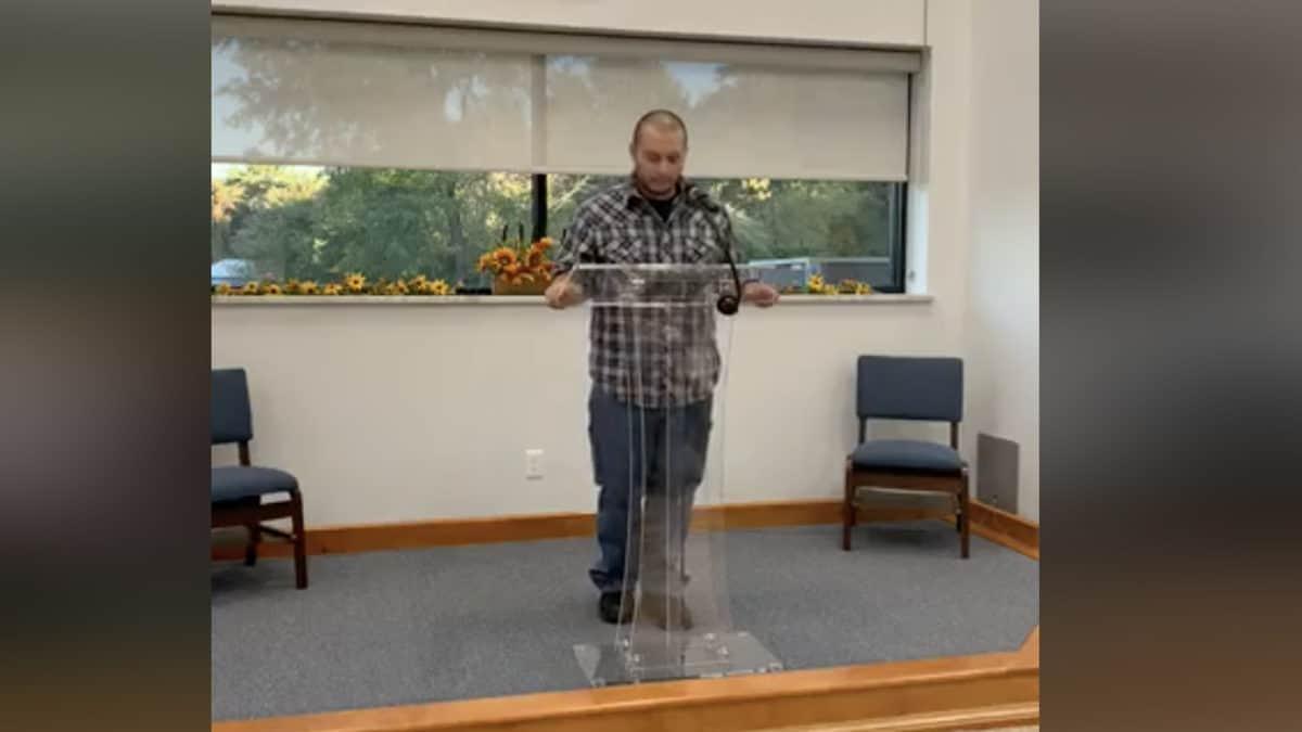 Chris McIntyre Preaches